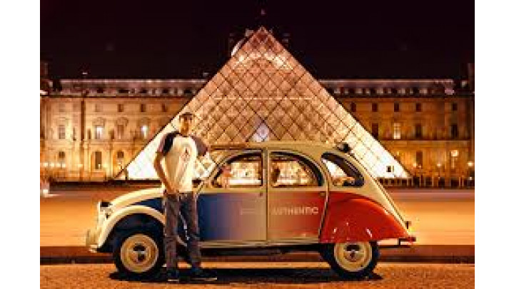 photo couverture Visiter Paris en 2CV !