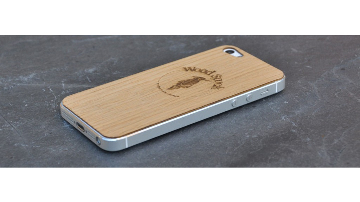 photo couverture Wood skin ou coque iphone en bois et personnalisable